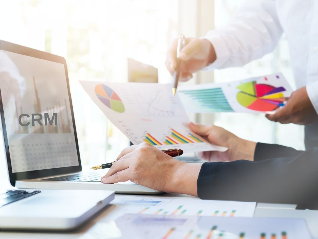 9 Benefits of a CRM System in B2B Marketing & Sales